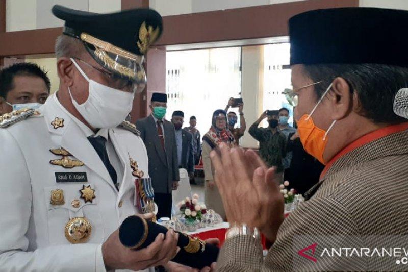 Gubernur Sulteng  lantik Rais Adam jabat Bupati Banggai Kepulauan