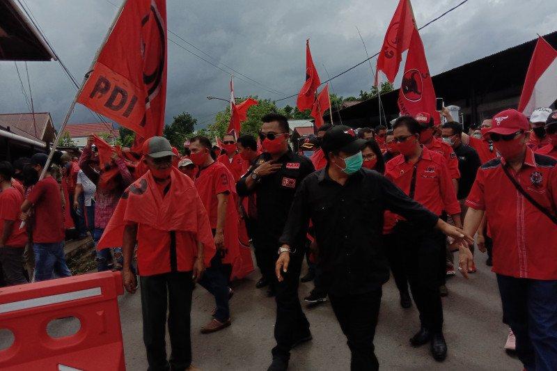 Partainya diusik, ratusan kader PDI-P Mitra turun ke jalan