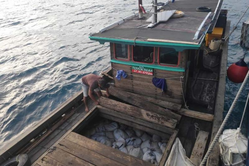 Pasir timah muatan Terang Bulan IV diduga dari Belitung