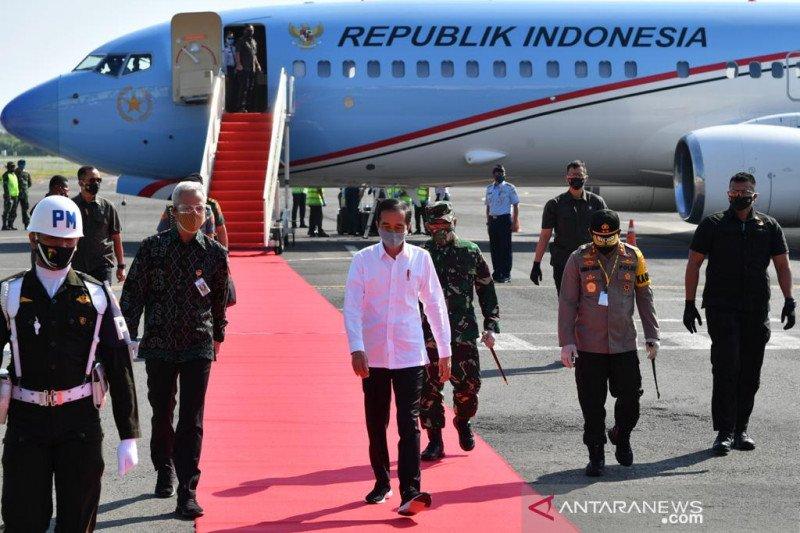 """Presiden Jokowi minta pimpinan daerah atur """"gas dan rem"""" penanganan COVID-19"""