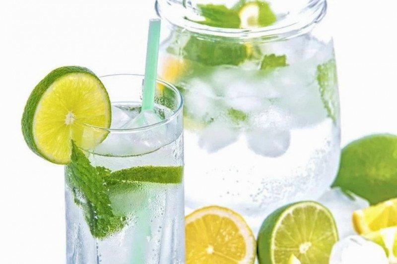 Benarkah minum air jeruk nipis bikin badan cepat kurus?