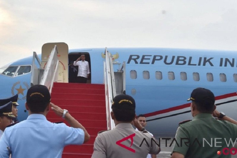 Presiden Joko Widodo tinjau Posko COVID-19 Jateng dan program padat karya
