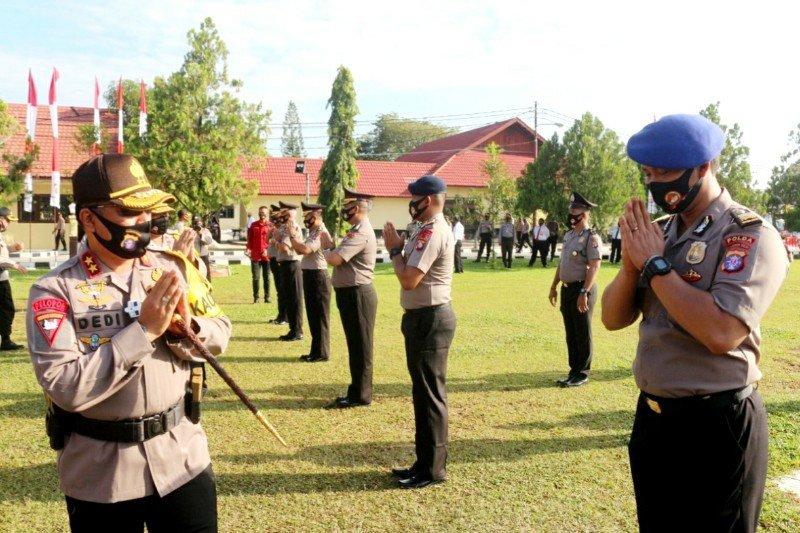 Personel Polda dan Polres di Kalteng naik pangkat