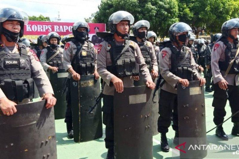Warga kembali blokir jalan di Madina