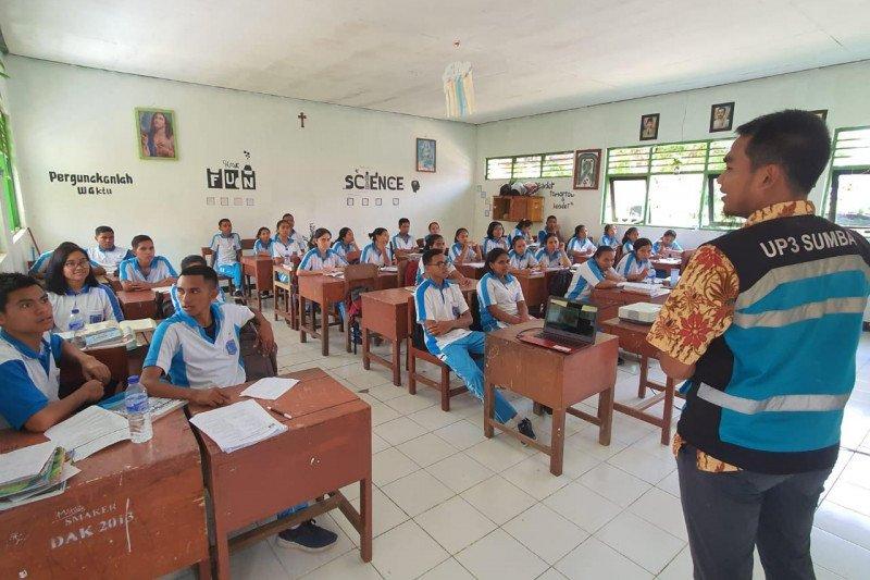 PLN gencarkan edukasi kelistrikan bagi warga di Pulau Sumba