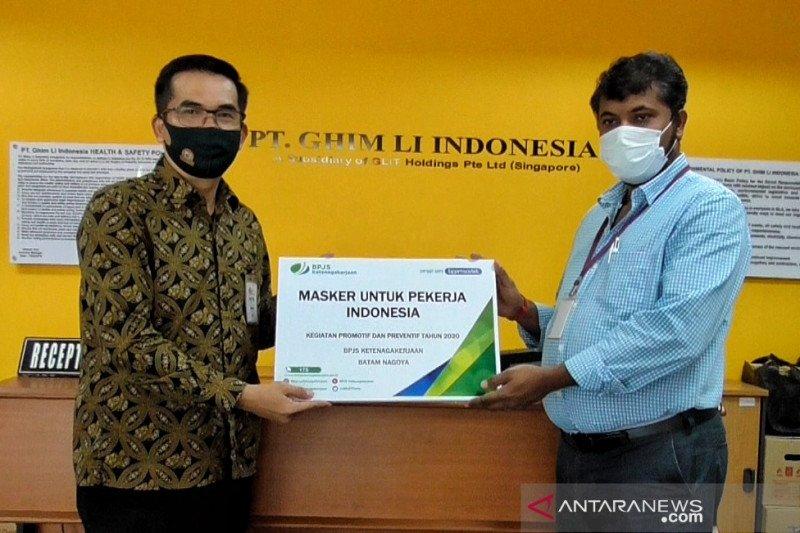 Pekerja di Batam dapat bantuan masker dan multivitamin