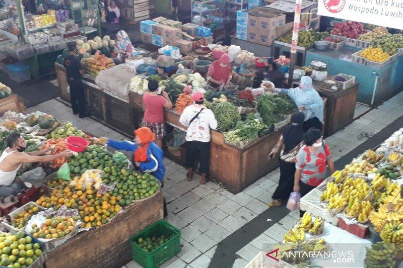 Pengunjung Pasar Gede meningkat saat normal baru