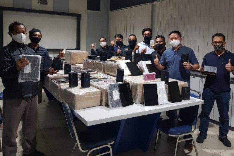 3.304 unit handphone ilegal disita Bea Cukai