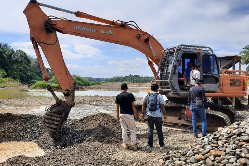 Polda Sumbar tangkap wali nagari di Dharmasraya diduga pelaku utama tambang ilegal