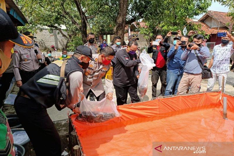 Polres Sumedang jaga ketahanan pangan masyarakat di tengah pandemi COVID-19