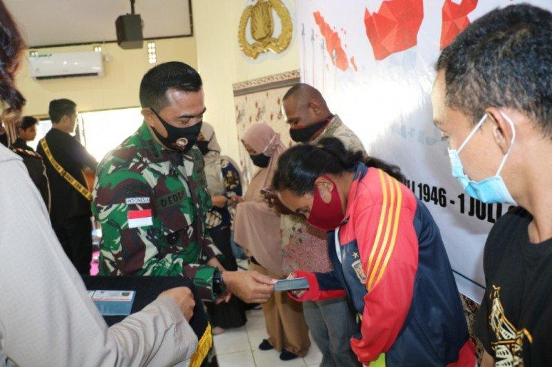Polres Merauke bagikan SIM gratis kepada 34 warga