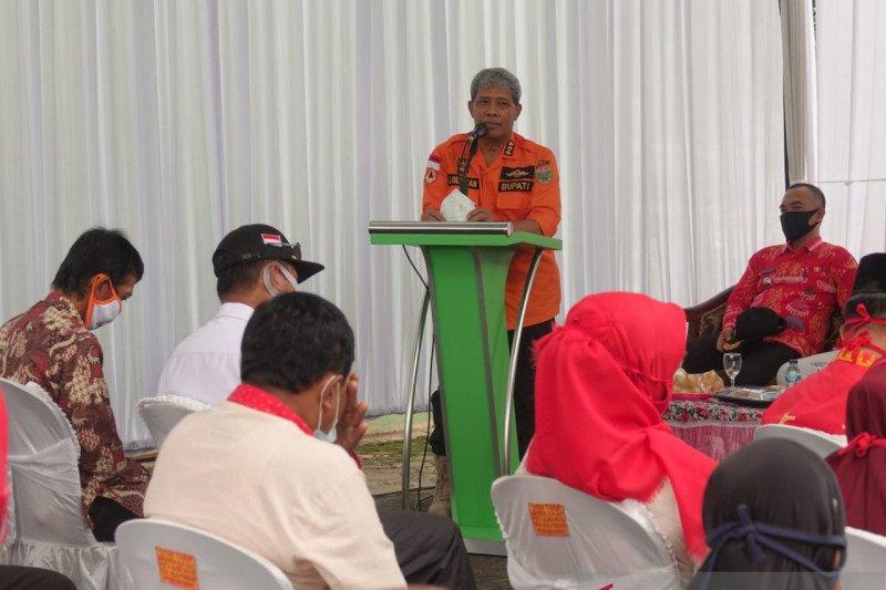 Bupati Lampung Tengah resmikan kantor PT BPRS Rajasa