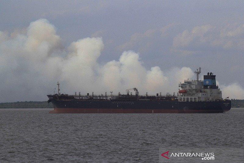 Kebakaran hutan di wilayah pesisir Riau