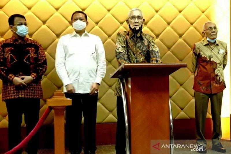 Tri Sutrisno dan Purnawirawan TNI-Polri dukung RUU HIP diganti