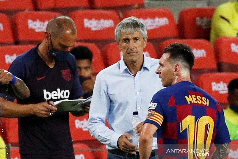 Setien anggap spekulasi kepergian Lionel Messi pepesan kosong