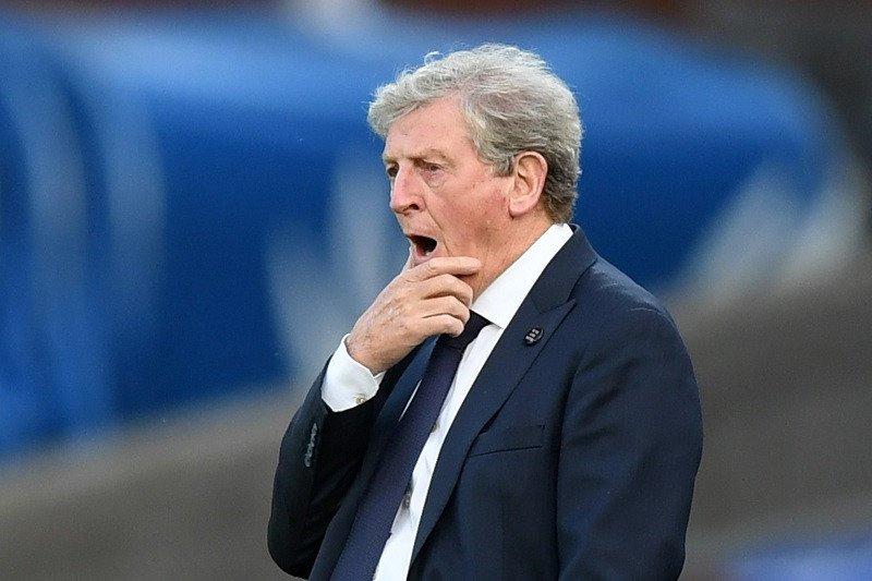 Hodgson mempertanyakan pengusiran Milivojevic dalam kekalahan Palace