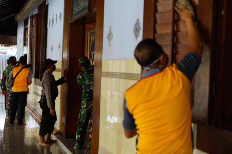720 masjid dan musala di Demak dibersihkan antisipasi klaster baru COVID-19