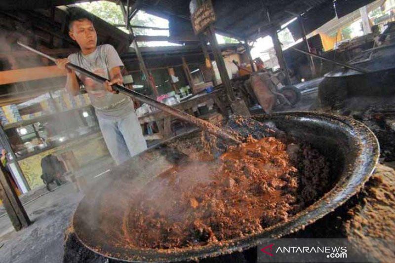 Rendang bukan hanya  sekadar makanan, tapi identitas budaya Minang