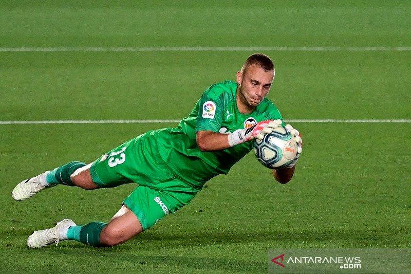Granada imbangi Valencia 2-2