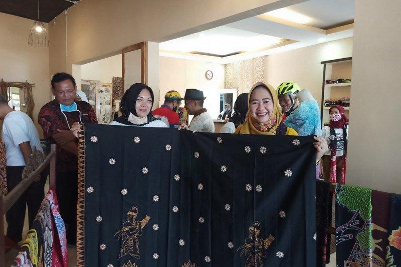 Para perajin dirikan pusat batik khas Purbalingga
