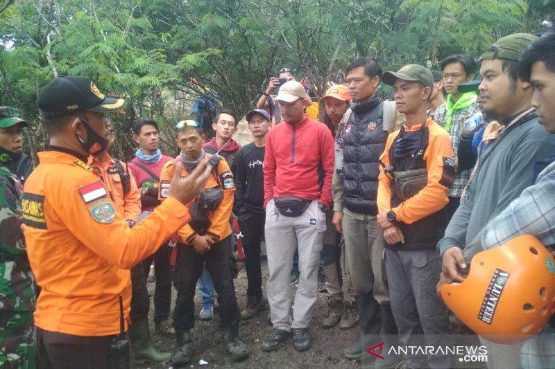 Pendaki yang hilang ditemukan tanpa baju di Gunung Guntur Garut
