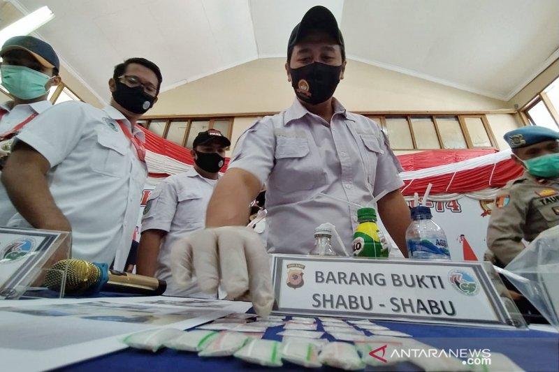 Polres Cimahi tangkap biduan pengedar narkoba jaringan LP