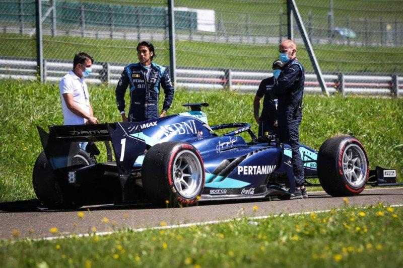 Pebalap Sean Gelael pulang dengan tangan hampa di seri pembuka Formula 2