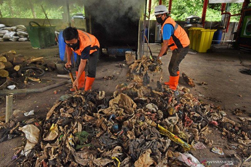 Atasi impor sampah, pemerintah perlu perbanyak industri daur ulang