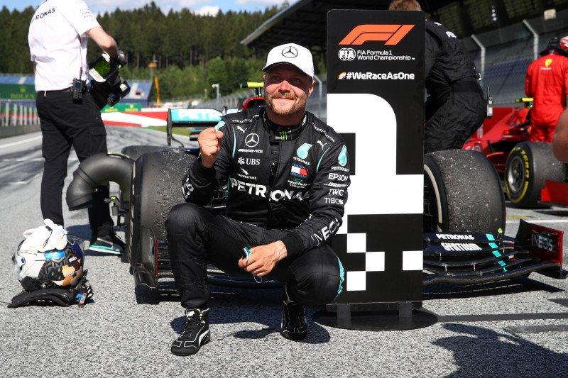 """Bottas lega hindari banyak """"peluru"""" untuk juara Grand Prix Austria"""