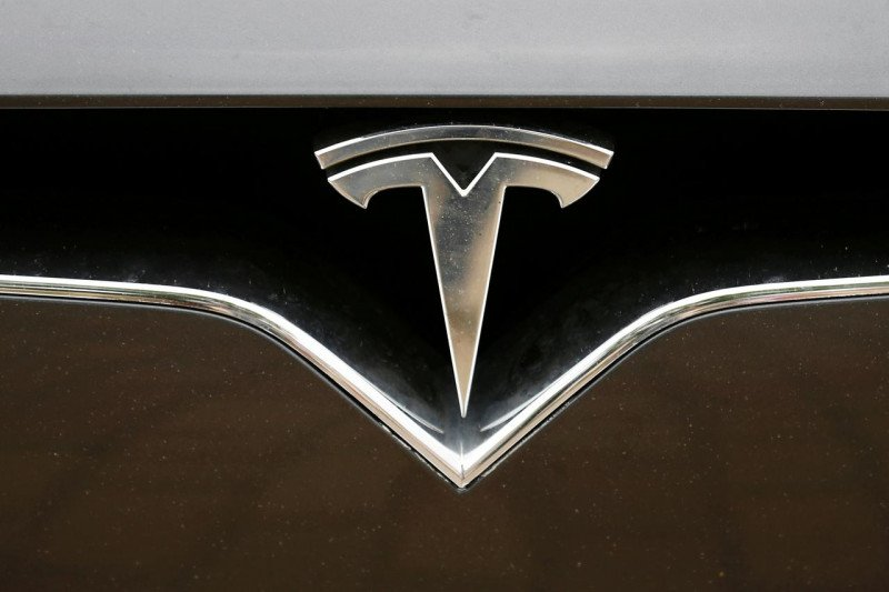 Tesla diskon harga SUV Model Y hingga 3.000 dolar AS