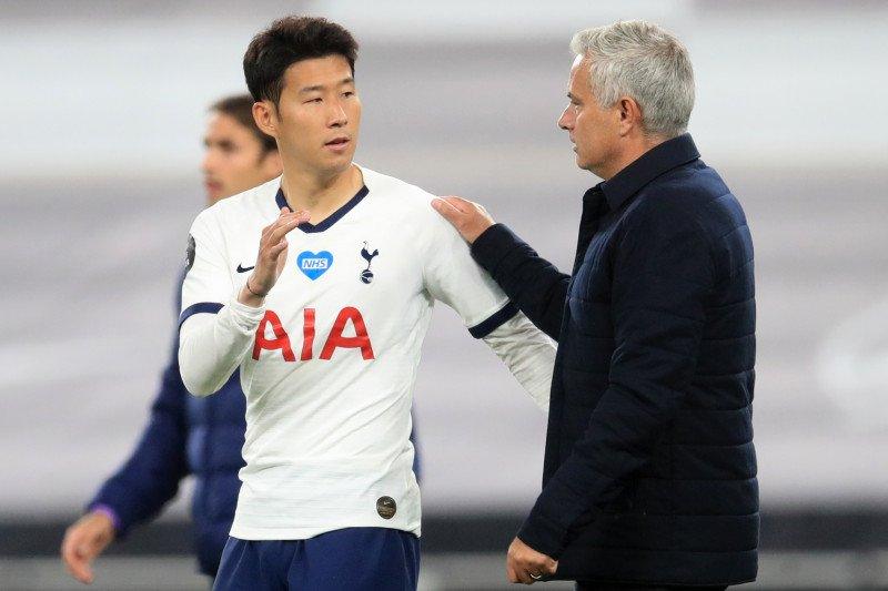Cekcok antara Lloris dan Son Heung-min membuat Mourinho senang