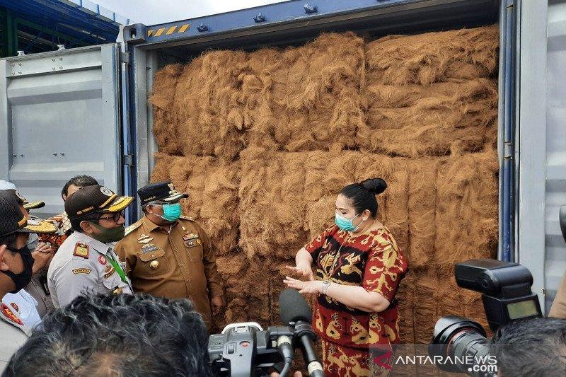 GubernurSultra Ali Mazi lepas perdana ekspor serabut kelapa ke China