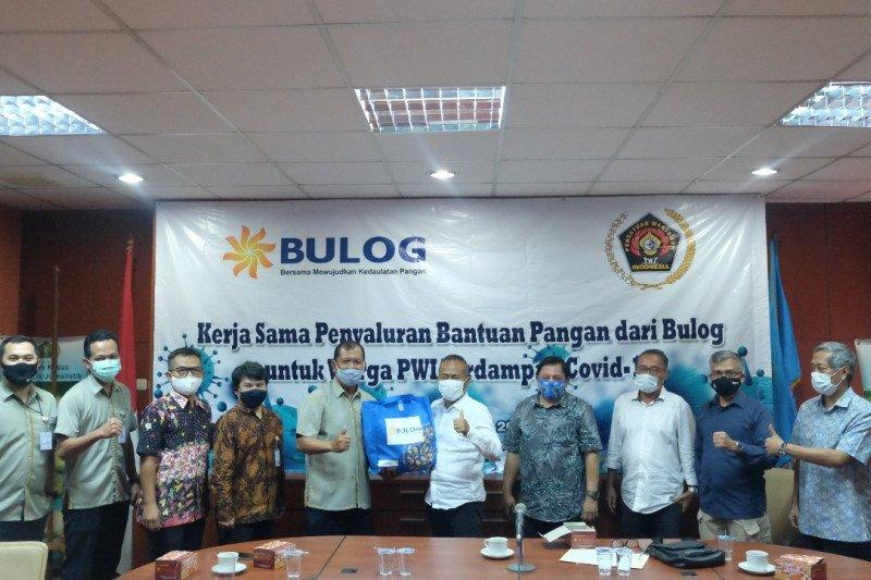 Bulog gandeng PWI Peduli salurkan bantuan warga terdampak COVID-19