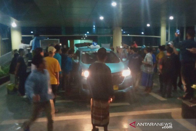 Duh! Ratusan warga jemput paksa jenazah COVID-19 di RSUD Kota Mataram