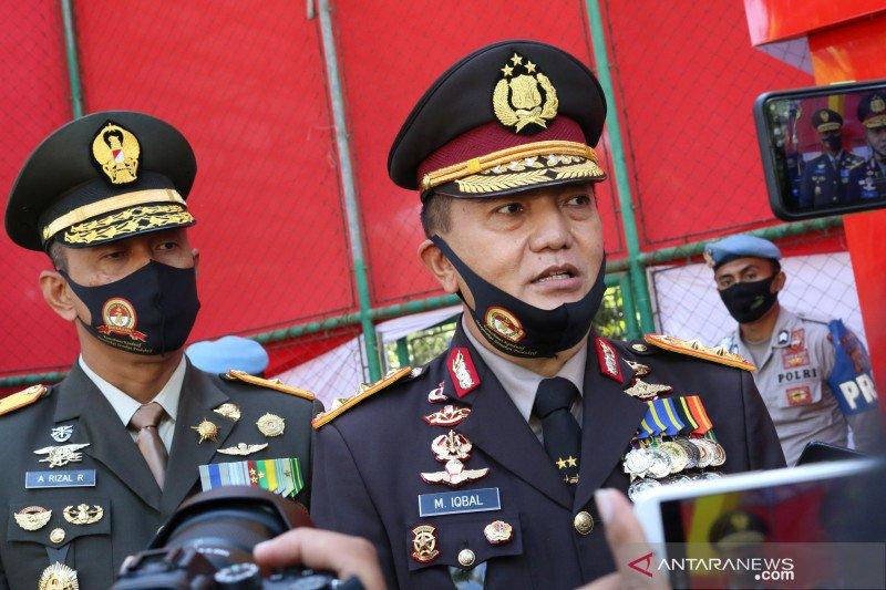 TNI-Polri bersiaga di rumah sakit mencegah penjemputan jenazah COVID-19