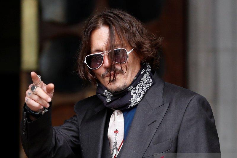 """Johnny Depp marah ketika tato """"Wino Forever"""" ditertawakan Amber Heard"""