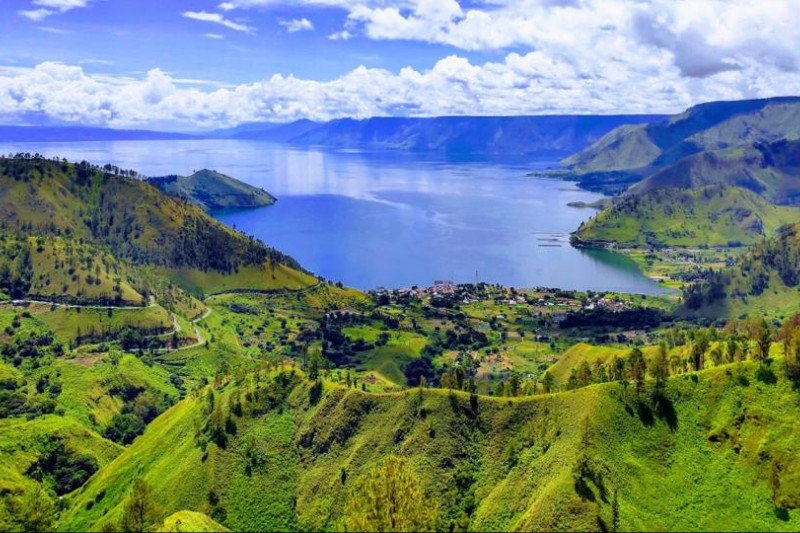 Tourism minister welcomes Lake Toba named as UNESCO