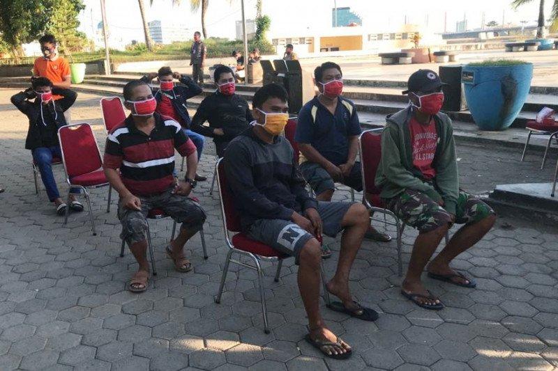 Sosialisasi Perwali COVID-19 TP2C Makassar jaring 26 pelanggar