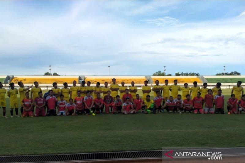 Suporter Barito Putera dan Suporter Martapura FC buat laga persahabatan