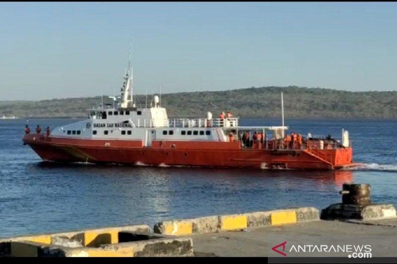 Tim SAR lanjutkan pencarian korban kecelakaan kapal nelayan di Pukuafu Kupang