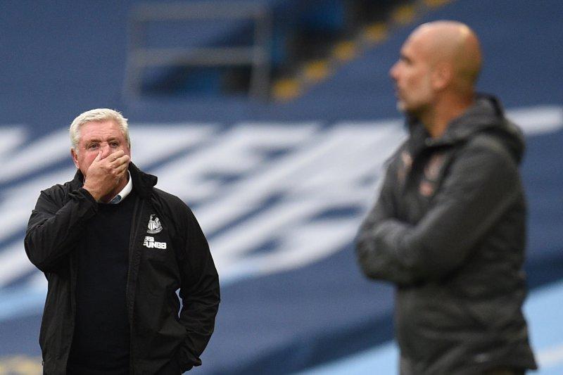 Steve Bruce tak masalah jadi kambing hitam atas ambruknya Newcastle 0-5