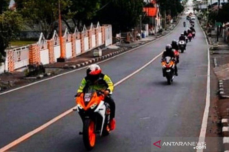 Komunitas CBR Manado dan Kotamobagu 'Ngegas' Bareng Menuju Puncak Noongan