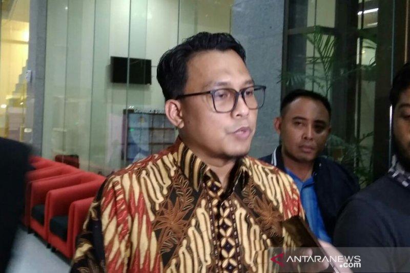 Mantan pejabat Bappenas dicecar terkait penerimaan uang dari PTDI