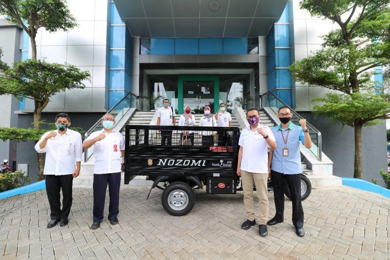 Dukung Revolusi Hijau, Bank Kalsel bantu satu unit motor angkutan kebersihan