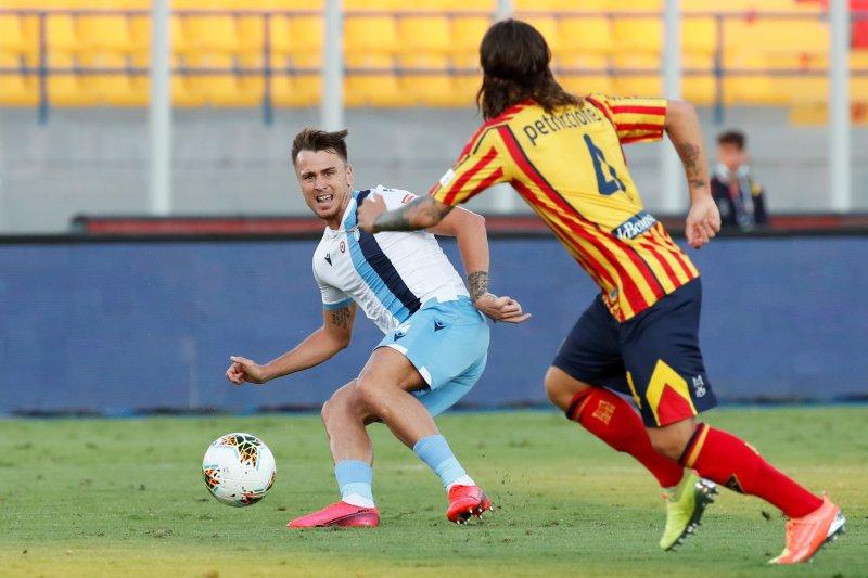 Gigit lengan lawan, bek Lazio Patric disanksi empat laga