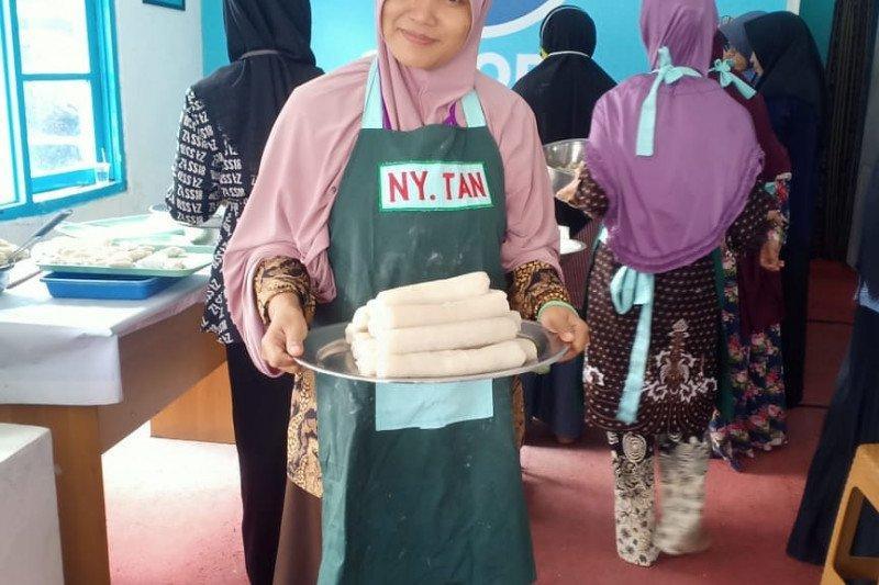 Partai Gelora Lampung gelar pelatihan membuat kue