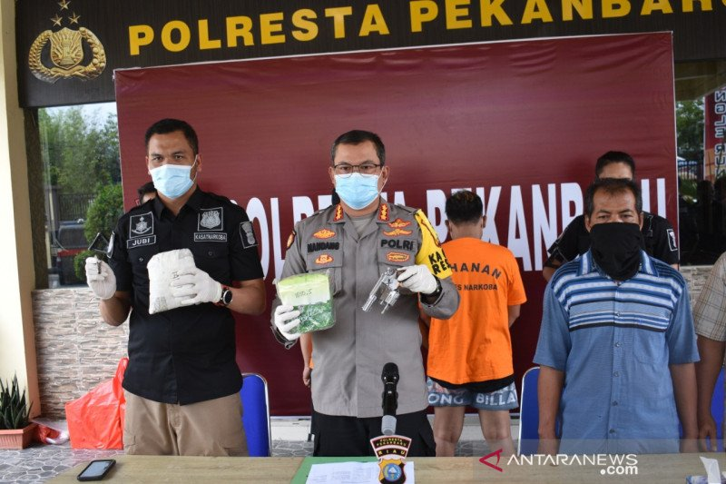 Polresta Pekanbaru bekuk bandit lima kilo sabu bersenjata api
