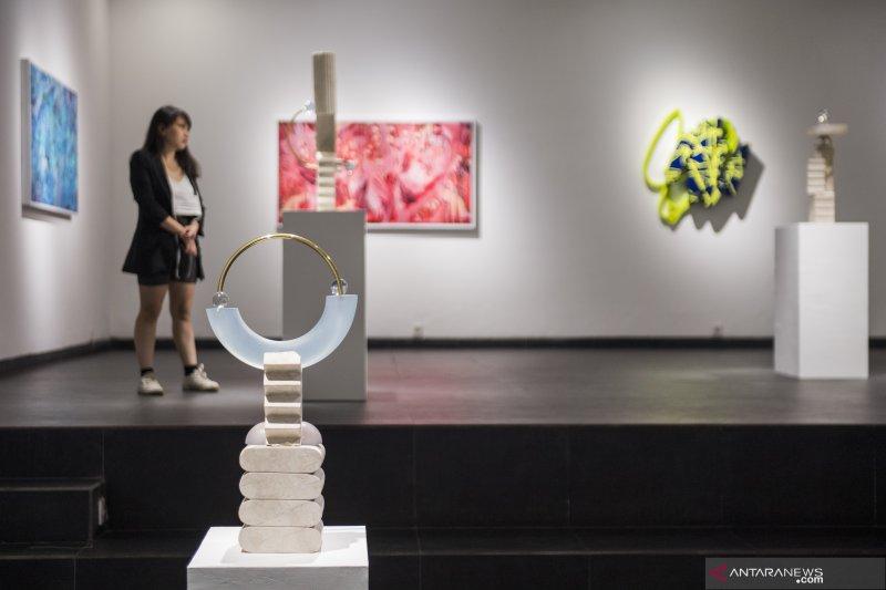 Seniman muda gelar pameran seni rupa
