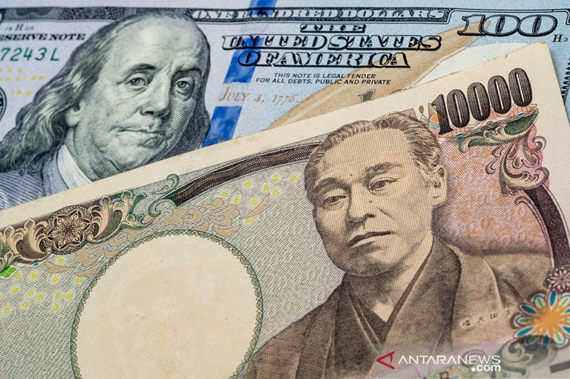 Yen melonjak usai Abe umumkan undur diri, dolar merosot karena pergeseran Fed