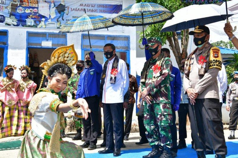 Gubernur Sulsel resmikan Balla Ewako Maros sebagai pusat edukasi COVID-19